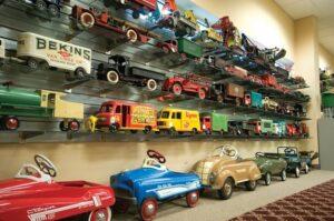 Bertoia-Auctions-Antique-Toys-Pressed-Steel