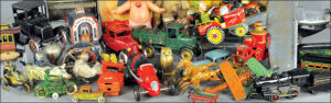 big-button-bertoia-auctions-antique-toys-2017-april-santa-claus-zepplin-automotive
