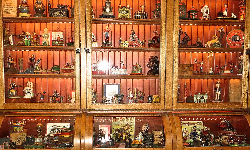 main-bertoia-auctions-antique-october-mechanical-bank-clive-2015