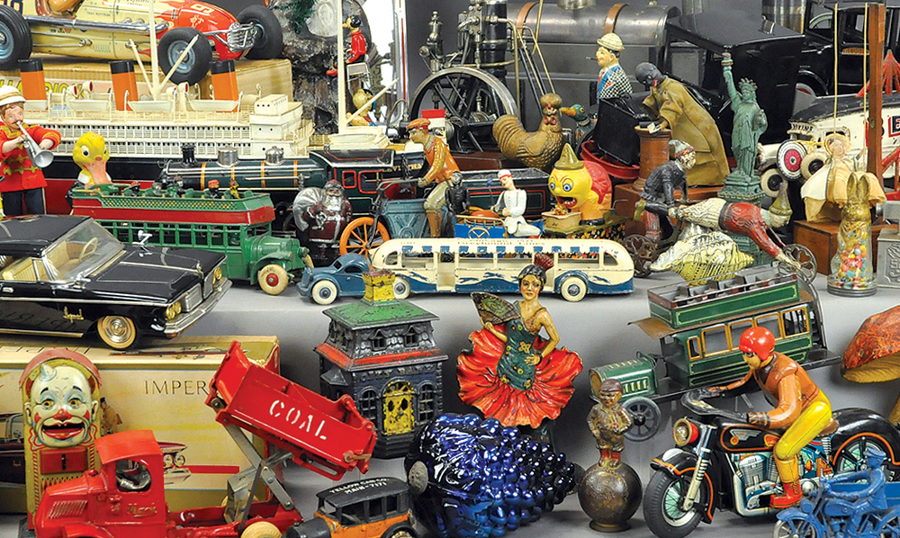 header-bertoia-auctions-antique-toys-2016-november-banks