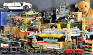 header-bertoia-auctions-antique-toys-2016-march-santa-claus-zepplin