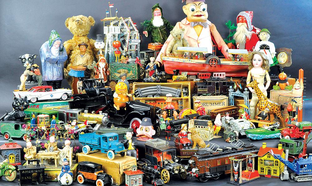 header-bertoia-auctions-antique-toys-2018-april-marklin-claus-bank-comic-automotive-boats