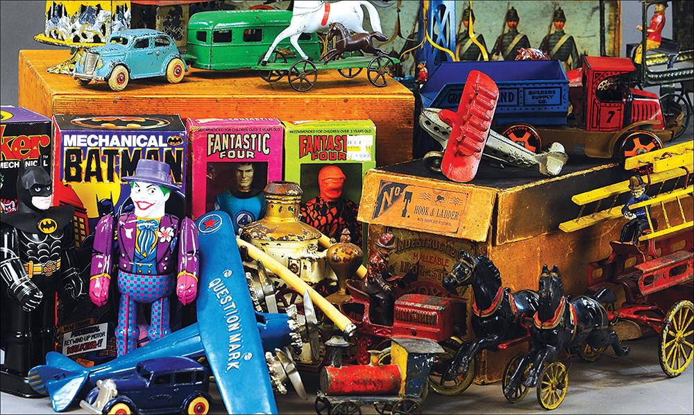 Bertoia Auctions Antique Toys Collectables