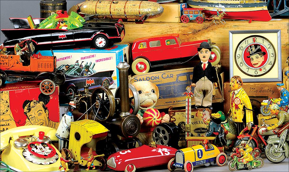 header-bertoia-auctions-basics-trolley-antique-toys-august-2020-steiff-santa-marklin-bank-cast-iron