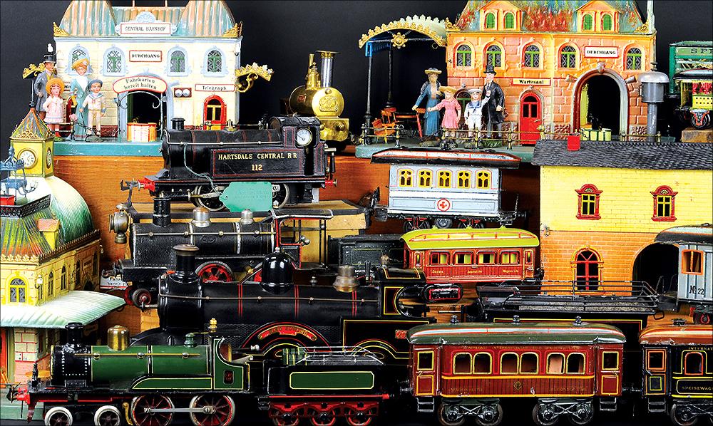 header-bertoia-auctions-basics-trolley-antique-toys-november-2020-steiff-santa-marklin-bank-cast-iron-1