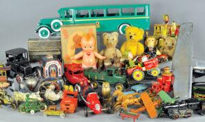 header-bertoia-auctions-antique-toys-2017-april-santa-claus-zepplin-automotive