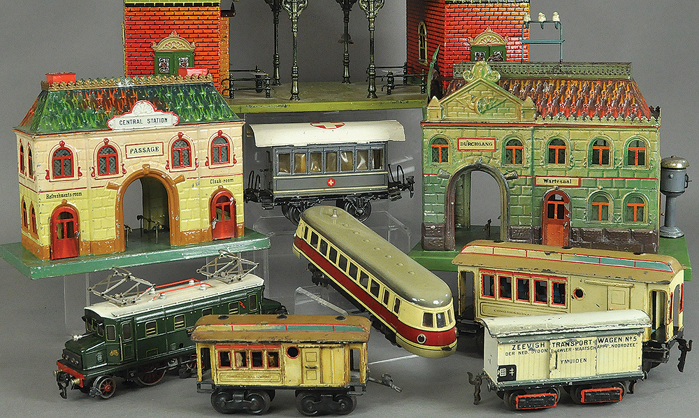 november-2015-toy-trains-bertoia-auctions-antique