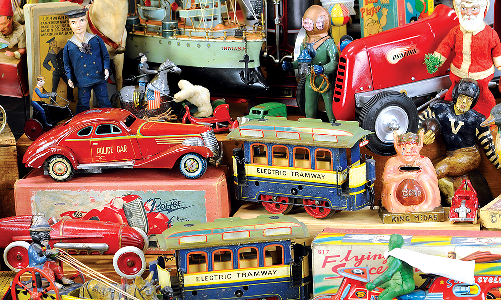 header-bertoia-auctions-antique-toys-2019-november-santa-claus-mechanical-bank-marklin-trains-ives-battleship-martin