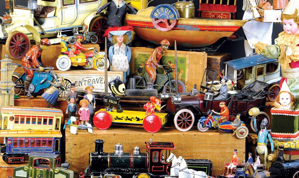 header-bertoia-auctions-antique-toys-2020-may-santa-claus-mechanical-bank-marklin-trains-lehmann-still-banks